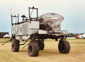 New Leader Manufacturing Collaborates on Developing the First Dot-Ready Autonomous Dry Spreader